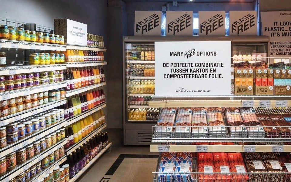 Un supermercado de Ámsterdam incluye el primer pasillo con productos 100% libres de plástico