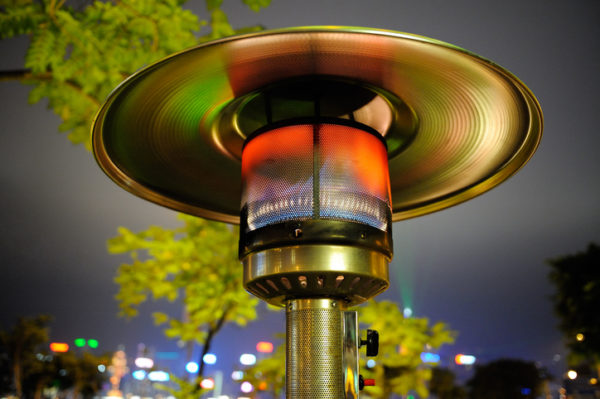 Rennes prohíbe las estufas en terrazas por su impacto medioambiental
