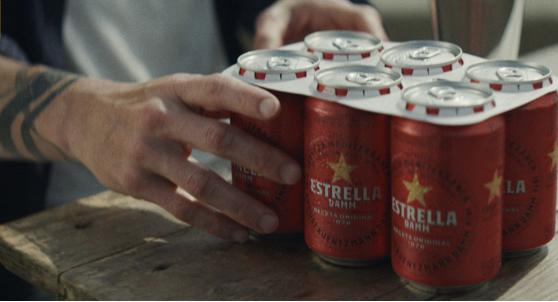 Cervezas con anillas de cartón